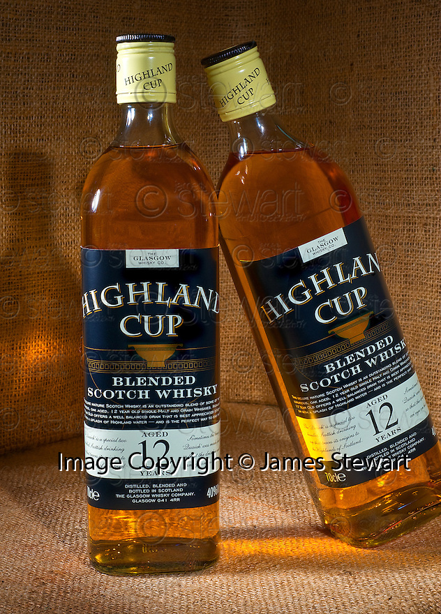 02/10/2010   Copyright  Pic : James Stewart.004_square_12yo_highland_cup  .::  GLASGOW WHISKY LIMITED:: SQUARE HIGHLAND CUP 12 YEAR OLD ::