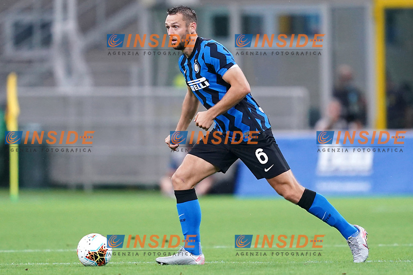 Stefan de Vrij of FC Internazionale in action during the Serie A football match between FC Internazionale and SSC Napoli at San Siro stadium in Milano (Italy), July 28th, 2020. Play resumes behind closed doors following the outbreak of the coronavirus disease. Photo Marco Canoniero / Insidefoto