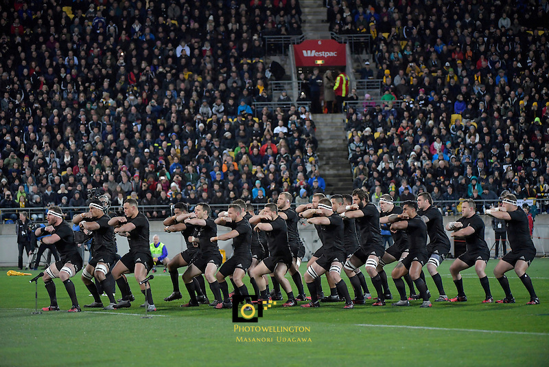 Haka. All Blacks v Wallabies. The Rugby Championship &amp; Bledisloe Cup at Westpac Stadium, Wellington, New Zealand on Saturday 27 August 2016.<br /> Photo by Masanori Udagawa. <br /> www.photowellington.photoshelter.com.