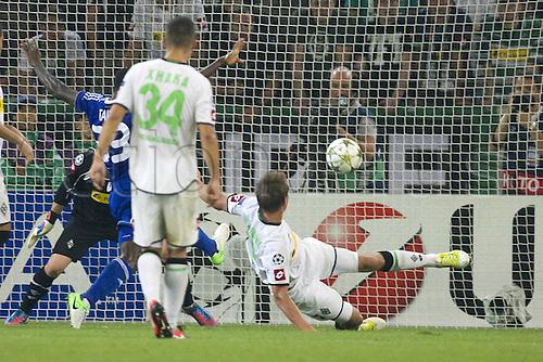21.08.2012. Moenchengladbach, Germany. Borussia Park. Luuk de Jong right MG scores an own goal for 3-1 for Dynamo Kiev