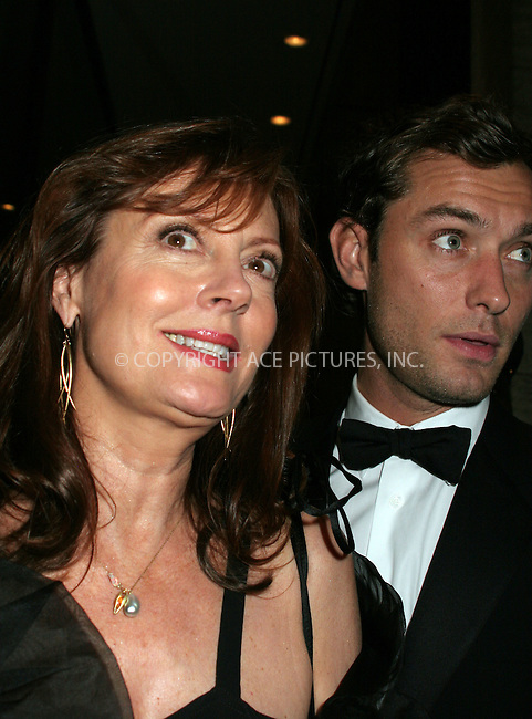 WWW.ACEPIXS.COM . . . . .  ....September 25, 2006, New York City. ....Susan Sarandon and Jude Law attend the opening night of the Lincoln Center Metropolitan Opera 2006-2007 Season.....Please byline: NANCY RIVERA- ACE PICTURES.... *** ***..Ace Pictures, Inc:  ..Philip Vaughan (212) 243-8787 or (646) 769 0430..e-mail: info@acepixs.com..web: http://www.acepixs.com