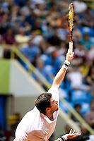 SAO PAULO, SP, 02.03.2014 - BRASIL OPEN 2014 - FINAL SIMPLES - O Tenista argentino Federico Delbonis (amarelo) venceu por 2 sets a 1 o tenista italiano Paolo Lorenzini (azul) no fim da tarde de hoje, 02. O Brasil Open acontece entre os 22 de fevereiro a 02 de março, no Ginásio do Ibirapuera, na capital paulista. foto: Paulo Fischer/Brazil Photo Press.