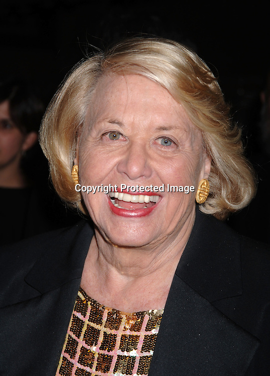 Liz Smith ..at The Pen American Center's 2006 Literary Gala on ..April 18, 2006 at The American Museum of Natural History. ..Robin Platzer, Twin Images