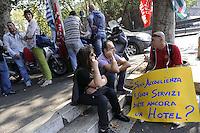 Roma, 28 Settembre 2011.Corso Italia.Protesta di lavoratori e lavoratrici degli Hotel NH contro i licenziamenti