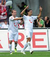 FUSSBALL   1. BUNDESLIGA  SAISON 2011/2012   2. Spieltag 1 FC Nuernberg - Hannover 96          13.08.2011 Jubel nach den Tor zum 0:1 mit Konstantin Rausch, Mohamed Abdellaoue (v. li., Hannover 96)