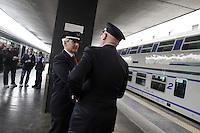 Roma, 5 aprile 2012.Trenitalia presenta i nuovi treni per i pendolari.Vivalto. Ferrovieri capotreni
