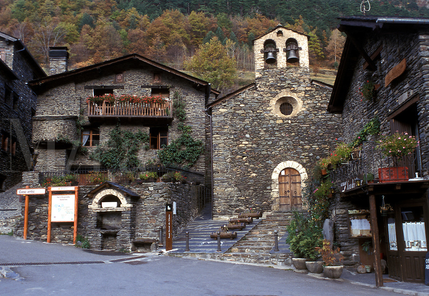 Andorra, stone house, The Pyrenees, Parish of Ordino, Llorts, Europe, Pyrenees Mountains, The tiny village of Llorts made of stone.