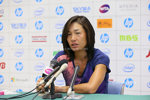 Kimiko Date-Krumm (JPN), .OCTOBER 8, 2012 - Tennis : .HP japan Women's Open Tennis 2012, .Women's Singles first round match .at Utsubo Tennis Center, Osaka, Japan. .(Photo by Akihiro Sugimoto/AFLO SPORT) [1080]
