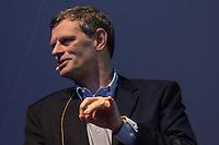 """SÃO PAULO, SP. 05.02.2015 -  CAMPUS PARTY PALESTRAS JOHN CIOFFI- John Cioffi engenheiro e professor emérito de faculdade de Stanford. Conhecido como o """"pai da DSL"""" , a pesquisa de John Cioff foi fundamental para viabilizar a linha de assinatura digital (DSL, Digital Subscriber Line) a ser uma tecnologia prática, e que criou mais de 400 publicações, mais de 100 pendentes ou emitidos patentes, muitos dos quais são licenciados durante palestra na oitava edição da Campus Party na tarde desta quinta-feira, (4). (Foto: Renato Mendes / Brazil Photo Press)"""