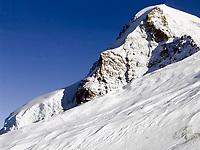 CHE, Schweiz, Kanton Bern, Berner Oberland, Grindelwald: Blick vom Jungfraujoch - Top of Europe - auf den Moench 4.107 m - mit Gletscherzunge   CHE, Switzerland, Bern Canton, Bernese Oberland, Grindelwald: view from Jungfraujoch - Top of Europe - at Moench mountain 13.475 ft. - glacier tongue