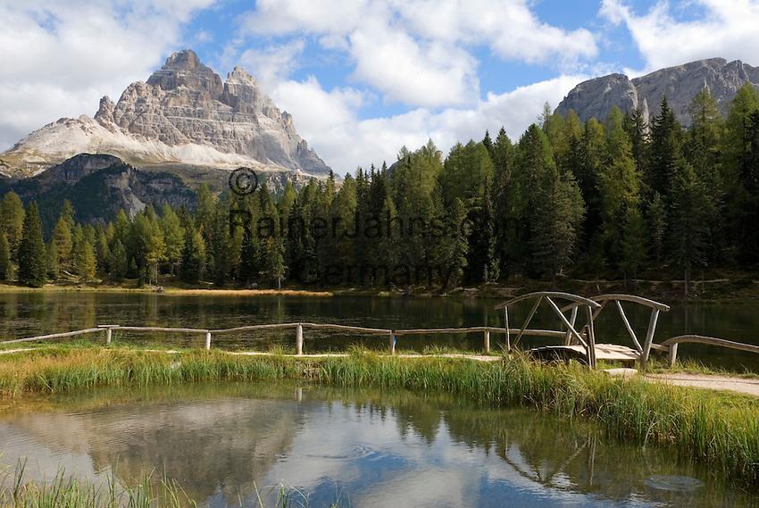 Italy, Veneto, Dolomites, Lago Antorno, Tre Cime di Lavaredo mountains