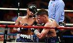 Orlando Cruz  gano por ko en le 11 asalt asi reteniendo su titulo latio de la OMB