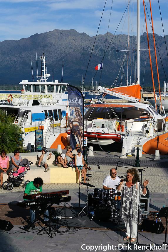 Konzert im Hafen von  Calvi, Korsika, Frankreich