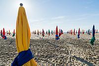 France, Calvados (14), Deauville, les parasols de la plage de Deauville // France, Calvados, Deauville, the beach umbrellas of Deauville