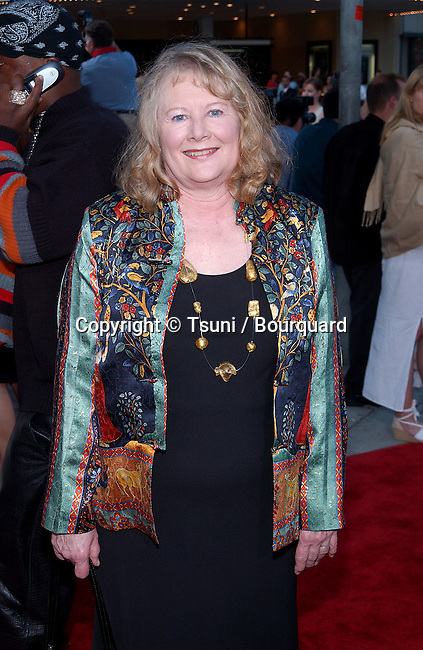 """Shirley Knight arriving at the premiere of """"Divine Secrets of the Ya-Ya Sisterhood"""" at the Westwood Village Theatre in Los Angeles. June 3, 2002.           -            KnightShirley.jpg"""