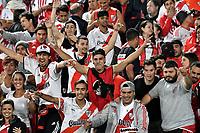BOGOTÁ - COLOMBIA, 03-05-2018: Hinchas de River Plate, animan a su equipo durante partido entre Independiente Santa Fe (COL) y River Plate (ARG), de la fase de grupos, grupo D, fecha 5 de la Copa Conmebol Libertadores 2018, jugado en el estadio Nemesio Camacho El Campin de la ciudad de Bogota. / Fans of River Plate, cheer for their team during a match between Independiente Santa Fe (COL) and River Plate (ARG), of the group stage, group D, 5th date for the Conmebol Copa Libertadores 2018 at the Nemesio Camacho El Campin Stadium in Bogota city. Photo: VizzorImage  / Luis Ramírez / Staff.