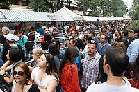 SAO PAULO, SP 18 DE MAIO 2013 - VIRADA CULTURAL 2013 - A Virada  Cultural acontece nos dias 18 e 19 de maio em toda a cidade de São Paulo. Feira de Alimentação localizada na Av. Ipiranga. FOTO: PAULO FISCHER/BRAZIL PHOTO PRESS