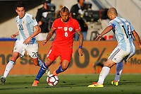 Action photo during the match Argentina vs Chile at Levis Stadium Copa America Centenario 2016. ---Foto  de accion durante el partido Argentina vs Chiler, En el Estadio de la Universidad de Phoenix, Partido Correspondiante al Grupo - D -  de la Copa America Centenario USA 2016, en la foto: Arturo Vidal<br /> --- 06/06/2016/MEXSPORT/PHOTOSPORT/ Andres Pina