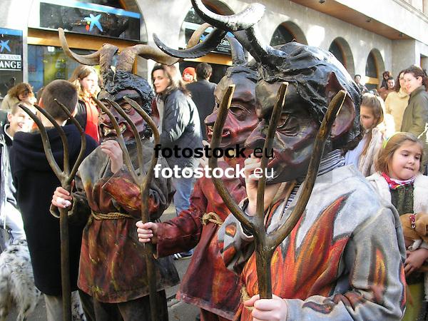 devils in the procession at Saint Antony's day<br /> <br /> diablos en la cabalgata de San Antonio (cat.: Sant Antoni)<br /> <br /> Teufel in der Prozession zu Ehren des Heiligen Antonius<br /> <br /> 2272 x 1704 px<br /> 150 dpi: 38,47 x 28,85 cm<br /> 300 dpi: 19,24 x 14,43 cm