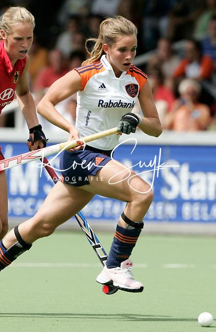 AMSTELVEEN: Champions Trophy 2006 dames. Ellen Hoog.  ANP PHOTO KOEN SUYK