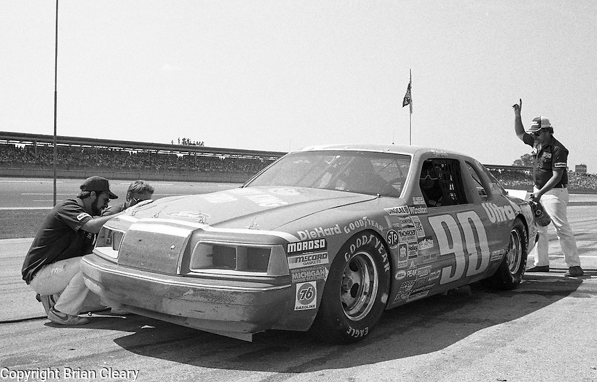 Ken Schraeder pits pit stop windshield 20th place finish Winston 500 at Alabama International Motor Speedway in Talladega , AL on May 5, 1985. (Photo by Brian Cleary/www.bcpix.com)