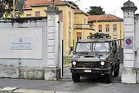 - Milano, 3 marzo 2020, l'ospedale militare di Baggio si prepara per accogliere in quarantena un gruppo di infettati dal virus Covid-19 provenienti da altri ospedali.<br />