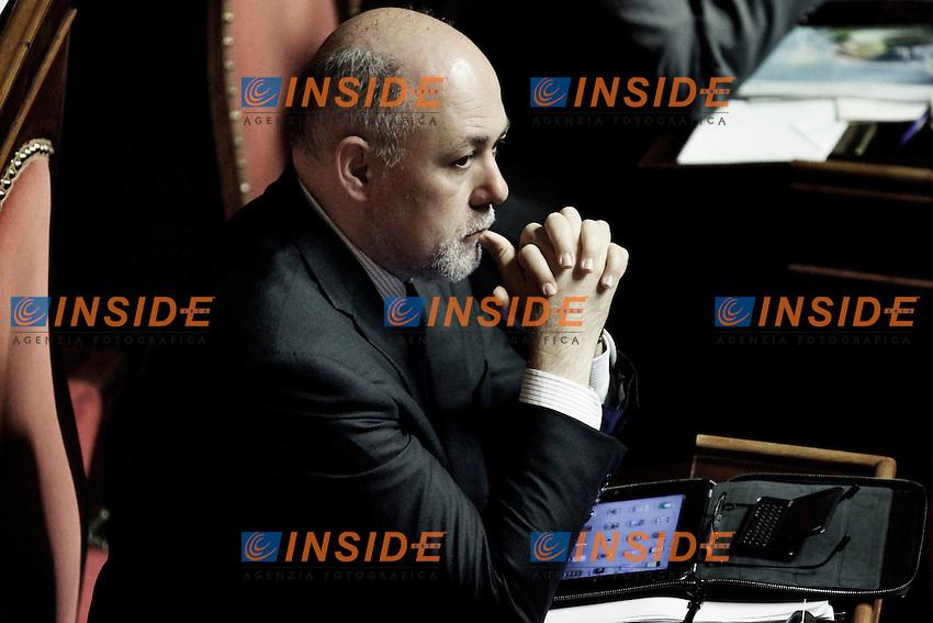Roma 29/03/2012  Il senatore Luigi Lusi in aula al Senato durante la discussione e votazione sul dereto legge Semplificazioni e Sviluppo..Foto Serena Cremaschi Insidefoto