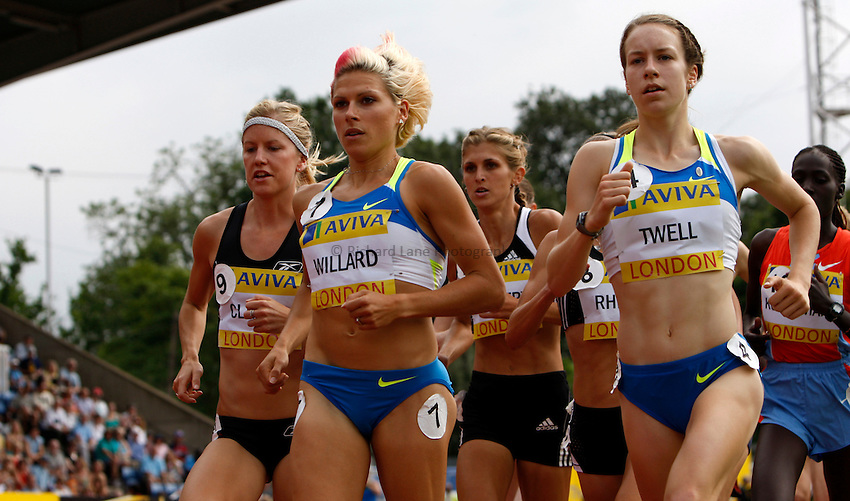 Photo: Richard Lane/Richard Lane Photography. .Aviva London Grand Prix, Crystal Palace. 26/07/2008. USA's Anna Willard and Great Britain's Stephanie Twell in the Women's 3000m.