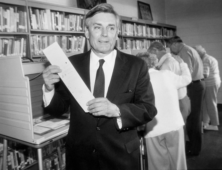 Rep. William Vollie ìBillî Alexander, D-Ark., House of Representatives Member, holding his voting card in Memphis, Tennessee. May 26, 1992 (Photo by Larry Trussell/CQ Roll Call)