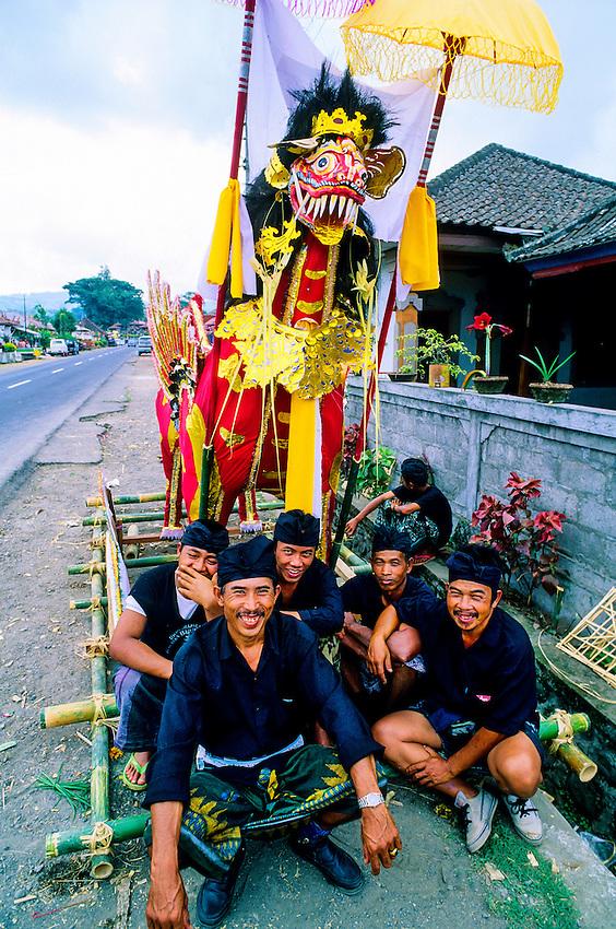 Men preparing for a cremation ceremony, Baturiti, Bali, Indonesia