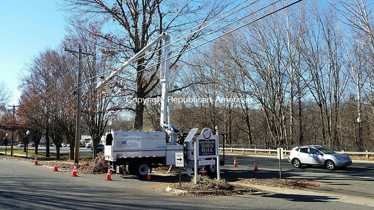 SOUTHBURY, CT: 17 Nov. 2015:111715BB01: SOUTHBURY --- A crew from Eversource prunes a tree by the Town Hall entrance Tuesday afternoon. Bill Bittar Republican-American