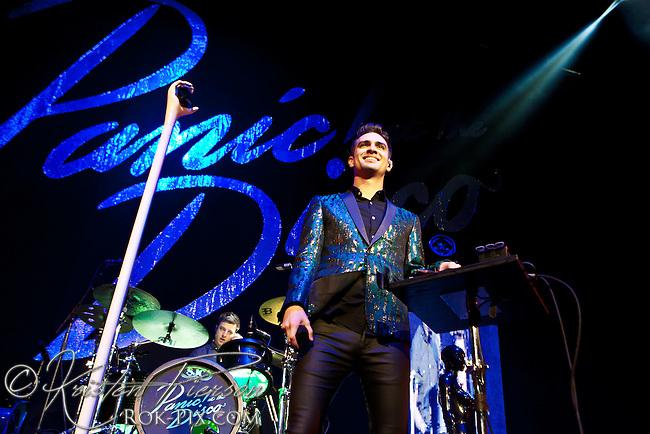Panic at the Disco perform at Mohegan Sun Arena September 5, 2013