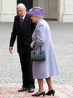 Il Presidente della Repubblica Giorgio Napolitano accoglie la Regina Elisabetta II d'Inghilterra nel cortile del Quirinale, Roma, 3 aprile 2014.<br /> Italian President Giorgio Napolitano welcomes  Queen Elizabeth II of the United Kingdom in the courtyard of the Quirinale presidential palace, Rome, 3 April 2014.<br /> UPDATE IMAGES PRESS/Riccardo De Luca