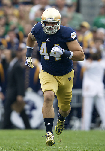 August 31, 2013:  Notre Dame inside linebacker Carlo Calabrese (44) during NCAA Football game action between the Notre Dame Fighting Irish and the Temple Owls at Notre Dame Stadium in South Bend, Indiana.  Notre Dame defeated Temple 28-6.