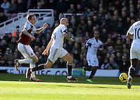 Pictured: Jonjo Shelvey of Swansea (C). 01 February 2014<br /> Re: Barclay's Premier League, West Ham United v Swansea City FC at Boleyn Ground, London.