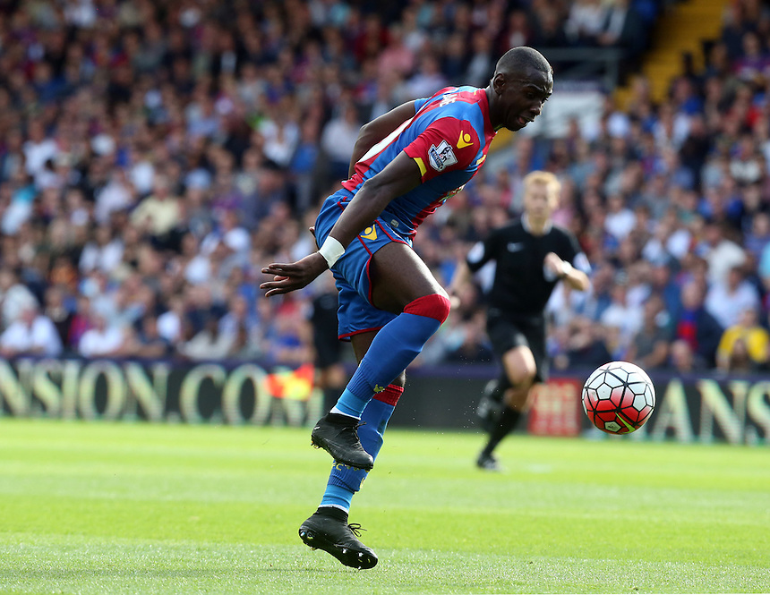 Crystal Palace's Yannick Bolasie<br /> <br /> Photographer Kieran Galvin/CameraSport<br /> <br /> Football - Barclays Premiership - Crystal Palace v Manchester City - Saturday 12th October  2015 - Selhurst Park - London<br /> <br /> &copy; CameraSport - 43 Linden Ave. Countesthorpe. Leicester. England. LE8 5PG - Tel: +44 (0) 116 277 4147 - admin@camerasport.com - www.camerasport.com