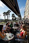 20080110 - France - Aquitaine - Pau<br /> LES CAFES DU BOULEVARD DES PYRENEES A PAU, TRES ANIMES.<br /> Ref : PAU_017.jpg - © Philippe Noisette.