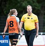 HUIZEN  -  scheidsrechter Danny Schippers   , hoofdklasse competitiewedstrijd hockey dames, Huizen-Groningen (1-1)   COPYRIGHT  KOEN SUYK