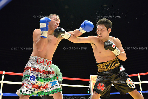 (L-R) Dante Jardon (MEX), Takashi Miura (JPN),<br /> DECEMBER 31, 2013 - Boxing :<br /> Takashi Miura of Japan in action against Dante Jardon of Mexico during the second round of the WBC super featherweight title bout at Ota-City General Gymnasium in Tokyo, Japan. (Photo by Hiroaki Yamaguchi/AFLO)