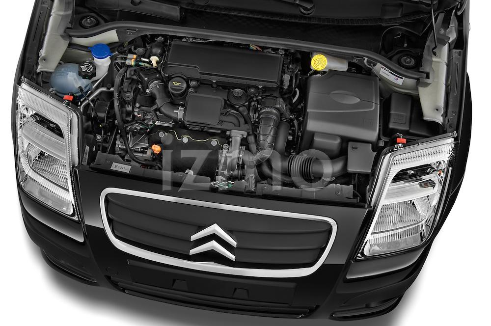 High angle engine detail of a 2008 - 2009 Citroen C2 VTR 3 Door Hatchback 2WD