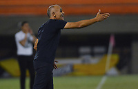 ENVIGADO -COLOMBIA, 18-10-2019: Jose Arastey técnico de Envigado gesticula durante partido por la fecha 18 de la Liga Águila II 2019 entre Envigado FC y La Equidad jugado en el Polideportivo Sur de la ciudad de Envigado. / Jose Arastey coach of Envigado FC gestures during match for the date 18 of the Aguila League II 2019 between Envigado FC and La Equidad played at Polideportivo Sur in Envigado city.  Photo: VizzorImage/ León Monsalve / Cont