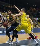 13.01.2019, EWE Arena, Oldenburg, GER, easy Credit-BBL, EWE Baskets Oldenburg vs Alba Berlin, im Bild<br /> am Ball.....<br /> Karsten TADDA (EWE Baskets Oldenburg #9 )<br /> Stefan PENO (Alba Berlin #44 )<br /> Foto &copy; nordphoto / Rojahn