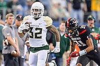 Baylor running back Shock Linwood (32) rushes with the ball during NCAA Football game, Saturday, November 29, 2014 in Arlington, Tex. (Mo Khursheed/TFV Media via AP Images)