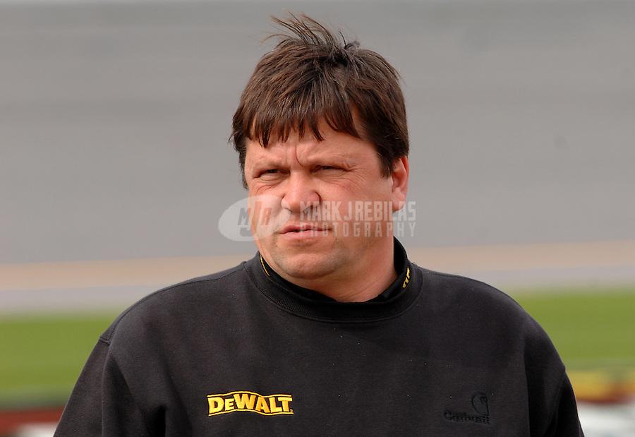 Feb 11, 2007; Daytona, FL, USA; Nascar Nextel Cup crew chief Robbie Reiser during qualifying for the Daytona 500 at Daytona International Speedway. Mandatory Credit: Mark J. Rebilas