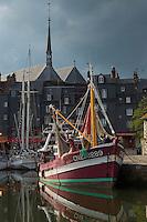 France, Calvados (14), Côte Fleurie, Honfleur, le port, le vieux bassin    //   France, Calvados, Côte Fleurie, Honfleur, the port, the old basin