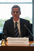 Am 28. April 2016 fand die 16. Sitzung des 2. NSU-Untersuchungsausschusses des Deutschen Bundestag statt. <br /> Als Zeugen waren gelanden:<br /> Dr. Tilmann Halder Diplom-Chemiker (Brandgutachter vom LKA-BW),  Kriminaloberkommissar Manfred Nordgauer (LKA Stuttgart) und Diplom-Physikerin Sandra Kruse (Bundeskriminalamt - Kriminaltechnisches Institut (KT52))<br /> Im Bild: Der Ausschussvorsitzende Clemens Binninger.<br /> 28.4.2016, Berlin<br /> Copyright: Christian-Ditsch.de<br /> [Inhaltsveraendernde Manipulation des Fotos nur nach ausdruecklicher Genehmigung des Fotografen. Vereinbarungen ueber Abtretung von Persoenlichkeitsrechten/Model Release der abgebildeten Person/Personen liegen nicht vor. NO MODEL RELEASE! Nur fuer Redaktionelle Zwecke. Don't publish without copyright Christian-Ditsch.de, Veroeffentlichung nur mit Fotografennennung, sowie gegen Honorar, MwSt. und Beleg. Konto: I N G - D i B a, IBAN DE58500105175400192269, BIC INGDDEFFXXX, Kontakt: post@christian-ditsch.de<br /> Bei der Bearbeitung der Dateiinformationen darf die Urheberkennzeichnung in den EXIF- und  IPTC-Daten nicht entfernt werden, diese sind in digitalen Medien nach §95c UrhG rechtlich geschuetzt. Der Urhebervermerk wird gemaess §13 UrhG verlangt.]