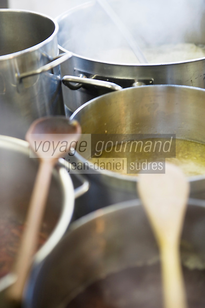 Europe/Italie/Trentin Haut-Adige/Dolomites/Alta Badia/ San Cassiano: Restaurant St Hubertus à l'Hotel Rosa Alpina dans la cuisine de  Norbert Niederkofler