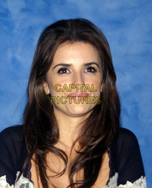 PENELOPE CRUZ.March 2005.headshot portrait.www.capitalpictures.com.sales@capitalpictures.com.© Capital Pictures.