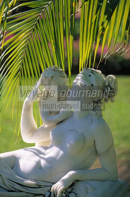 """Iles Bahamas / New Providence et Paradise Island / Nassau: Hotel """"One & Only Océan Club"""" le parc une des statues des """"Versailles Grden"""""""