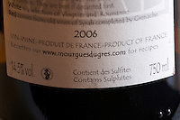 warning text on back label contains sulphites and pregnant woman, domaine mourgues du gres, costieres de nimes, rhone, france